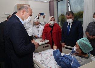 Bakanlar Sakarya'daki fabrikada meydana gelen patlamada yaralanan vatandaşları ziyaret etti