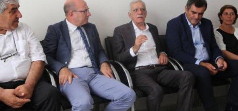CHP'DEN HDP'YE DESTEK! TALİMATLA YANINA KOŞTULAR