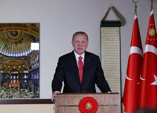 Başkan Erdoğan'ın Ayasofya'yı ibadete açan imzayı atmasının ardından sosyal medyada destek mesajları yaptı