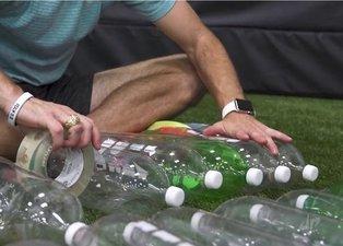 Plastik şişeleri tek tek toplayıp yaptı! Kimse beklemiyordu...