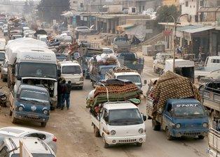 Son dakika: Esad rejimi katliama hazırlanıyor! 600 bin kişi Türkiye sınırına dayandı
