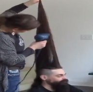 Dünyanın en uzunu! Mohawk model saçlarıyla rekor kırdı! İşte ilginç Guinness rekorları