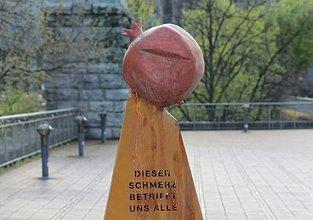 Almanya'da yasa dışı sözde Ermeni soykırım anıtı kaldırıldı