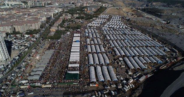 Kurban pazarındaki yoğunluk böyle görüntülendi