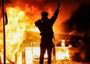 Siyahi Amerikalı Floyd'un öldürülmesine yönelik protestolar artarak devam ediyor