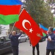 Azerbaycanda büyük coşku! Türkiye ve Azerbaycan bayrakları dalgalanıyor! A Haber ekibi sıcak noktada