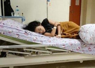 Uyuyunca haftalarca gözünü açamıyor! Hemen hastaneye kaldırılıyor