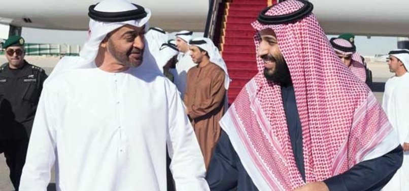 Prens Selman ve Prens Zayed'in alkollü yat partisi!
