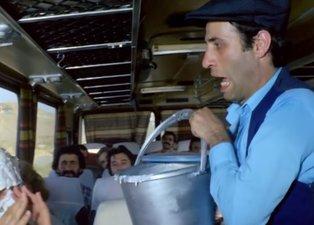 Kemal Sunal'ın efsane filmi Sakar Şakir'de 'yok artık' dedirten görüntü!