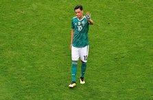Mesut Özil'in kararı dünya basınında deprem etkisi yarattı