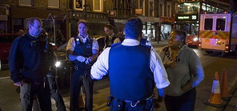 LONDRA'DA GÖZALTI SAYISI BİNİ GEÇTİ!