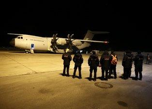 Son dakika: Deprem yardımları askeri kargo uçaklarıyla bölgeye gönderiliyor