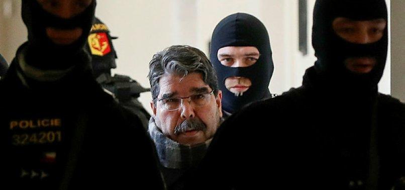 TERÖRİSTBAŞI SALİH MÜSLÜM BERLİN'DE PKK MİTİNGİNE KATILDI