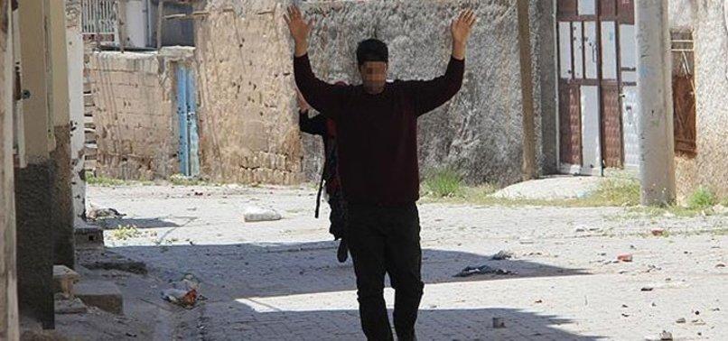 2 PKK'LI TERÖRİST TESLİM OLDU