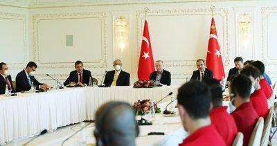 Başkan Erdoğan Euroleague ve Türkiye Basketbol ligi şampiyonu Anadolu Efes'i kabul etti