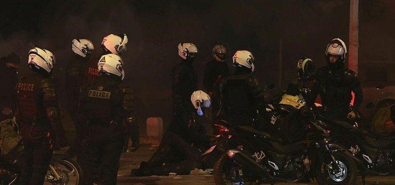 Yunanistan'ın başkenti Atina alev alev! Göstericiler ve polis birbirine girdi