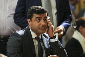 CHP'nin sahip çıktığı HDP'li Demirtaş'ın sicili kabarık
