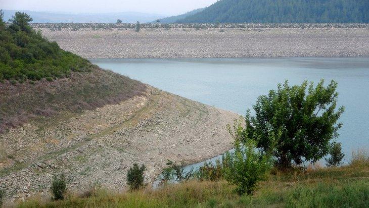 50 yıl önce inşa edilen Mehmetli Barajı alarm veriyor! Sular çekildi kuraklık baş gösterdi