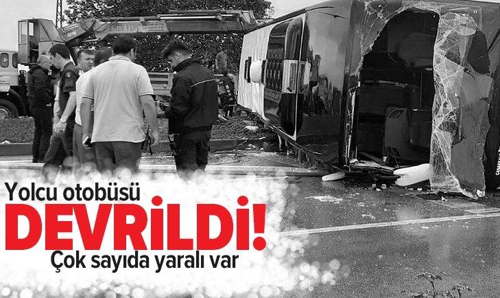 YOLCU OTOBÜSÜ DEVRİLDİ! YARALILAR VAR