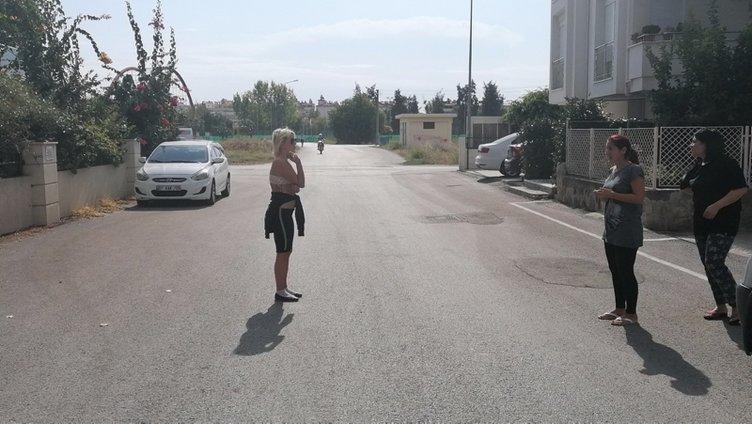 Polis çileden çıktı! Sokakta çıplak dolaşıyordu