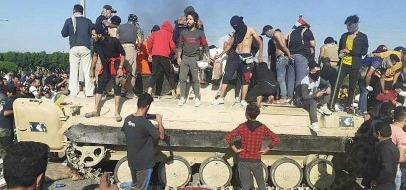 IRAK'TAKİ PROTESTOLARDA YÜZLERCE GÖSTERİCİ ÖLDÜ