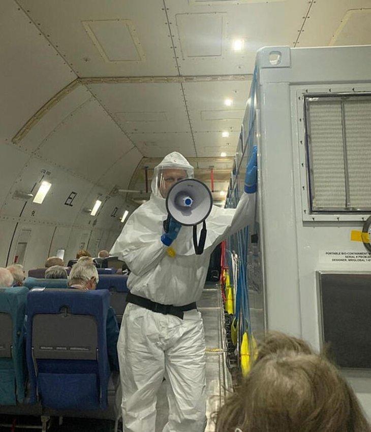 İngilizler corona virüsle ilgili şok fotoğrafları yayınladı! Dünya ayağa kalktı...