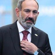 Ermenistan halkı Paşinyanın peşine düştü! Nerede o hain? Korkudan kaçacak
