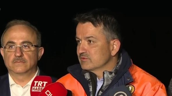 Bakandan Karabağlar'daki yangın hakkında açıklama