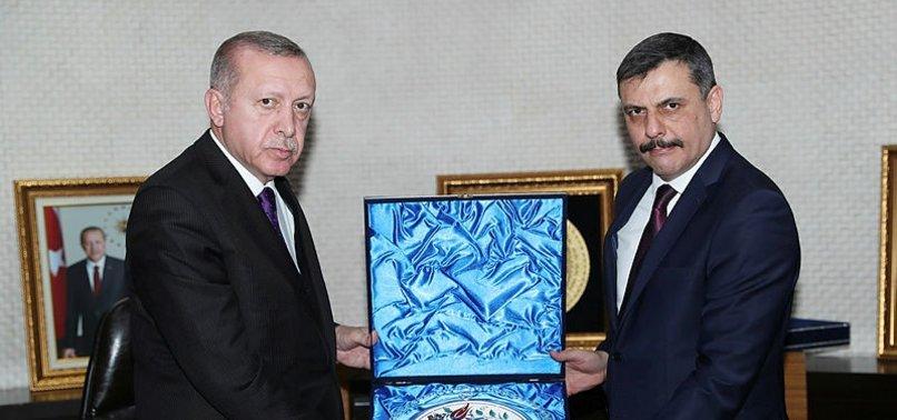 BAŞKAN ERDOĞAN, ÇORUM VALİSİ'Nİ KABUL ETTİ