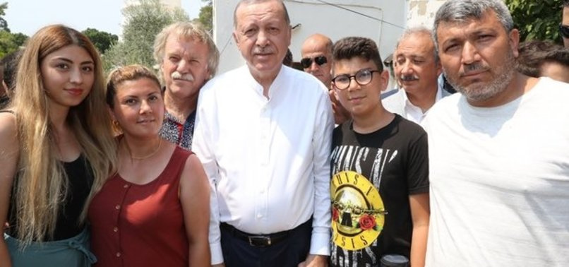 BAŞKAN ERDOĞAN'A SEVGİ SELİ!