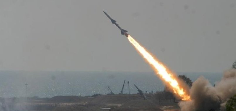 Yunanistan Girit Adası'nda S-300'leri ateşledi