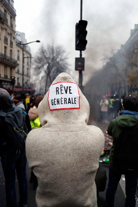 Fransa alev alev yanıyor!