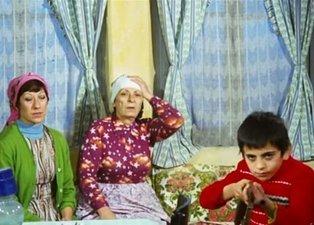 Kemal Sunal'ın unutulmaz filmi Çöpçüler Kralı'ndaki Hacer'in küçük kardeşi son haliyle şaşırttı