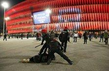 İspanya'da holiganlar ortalığı savaş alanına çevirdi