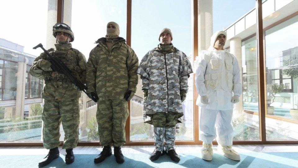 e803405aafa25 Türk askerinin kış için özel tasarlanan kıyafetleri! - Son Dakika Gündem  Haberleri