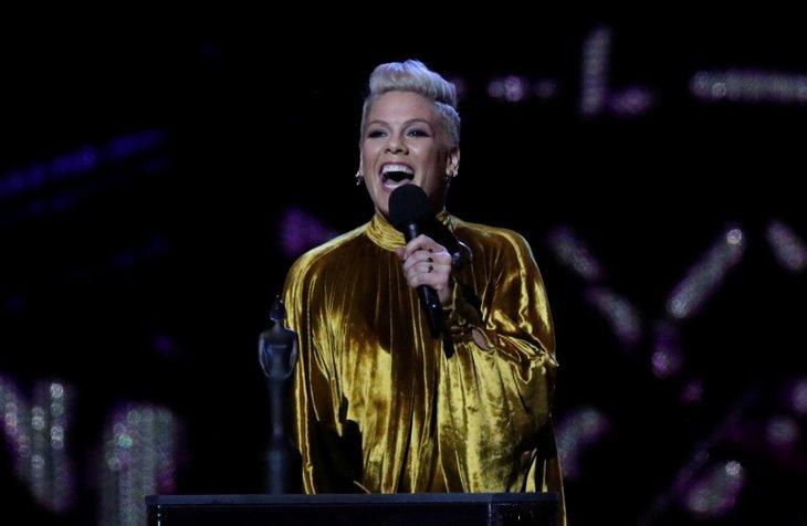 Dünyaca ünlü şarkıcı Pink'in özel jeti alev aldı