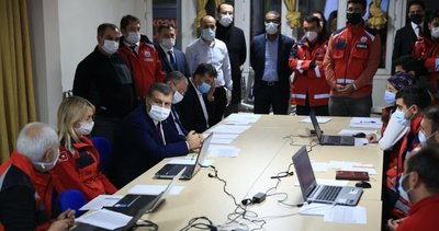 Sağlık Bakanı Fahrettin Koca 112 Acil Komuta Merkezi'nde