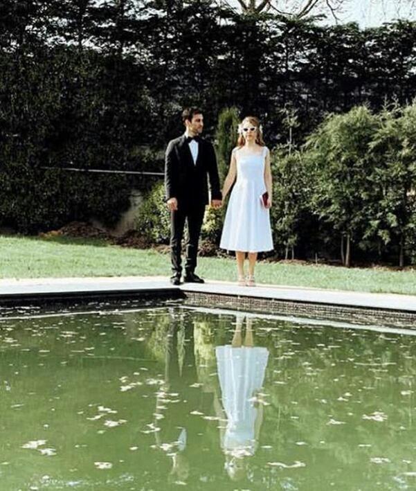 Hande Erçel'in mutlu günü! Ablası Gamze Erçel evlendi