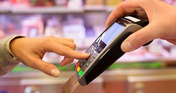 Kredi kartı kullananlar dikkat! İsyan ettiren zam geldi: 200 TL'yi aştı