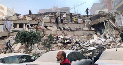 Bakan Karaismailoğlu'ndan İzmir'deki depremle ilgili açıklama:İnşallah en az hasarla atlatacağımız bir deprem olur