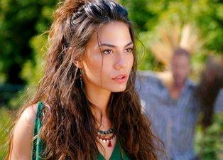 Doğduğun Ev Kaderindir'in Zeynep'i Demet Özdemir makyajsız haliyle hayran bıraktı