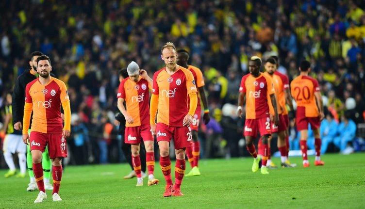 FATİH TERİM'DEN İLK 11'E 4 KESİK!