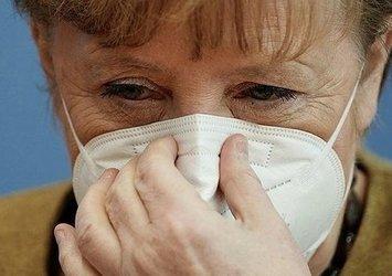 AlmanyaBaşbakanıAngela Merkel'den koronavirüs itirafı: Günlük ölü sayısı şok edici derecede yüksek