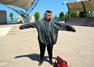 Ailesi istemedi arkadaşları hor gördü! Kilolu olduğu için sevdiği kızla evlenemeyince 6 ayda 212 kilo vedi