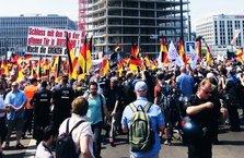 Almanya'da İslam karşıtı skandal gösteri