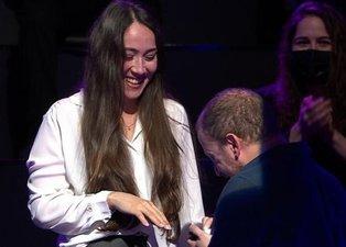 Kim Milyoner Olmak İster'de sevgilisine evlilik teklif eden yarışmacı Sihirli Annem'in oyuncusu çıktı