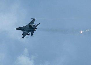 Çin'den flaş Tayvan hamlesi! Savaş jetleri havalandı! Dünya bu anları korkuyla izledi