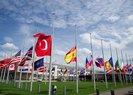NATO'DA BAYRAKLAR YARIYA İNDİRİLDİ