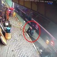 İstanbul Sarıyerdeki feci kazada kıl payı kurtuldu! Dehşet anları kamerada