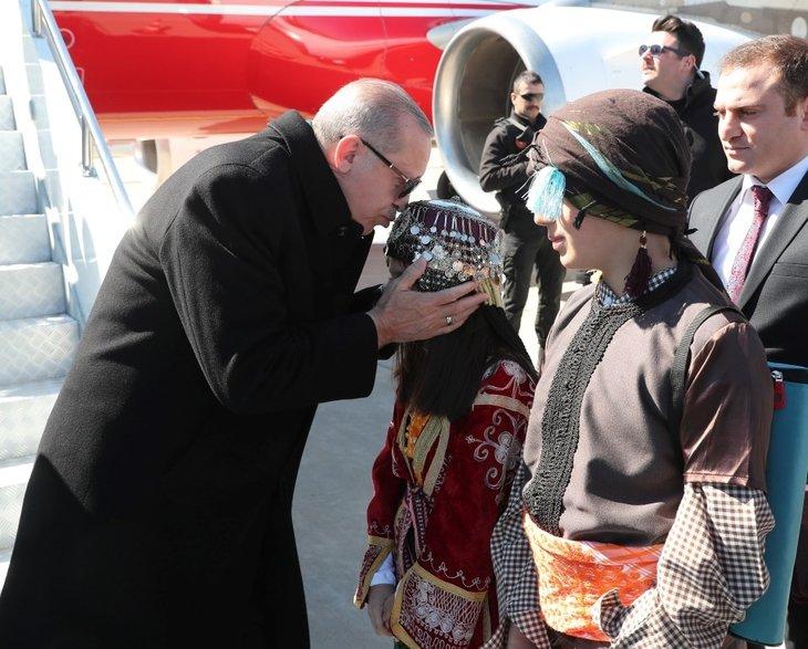 Başkan Erdoğan ve İbrahim Tatlıses Şanlıurfa'da miting sahnesine beraber çıktı
